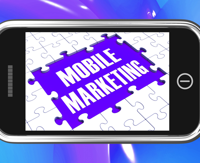 mobile-marketing-on-smartphone-showing-ecommerce_GkjNw7Dd